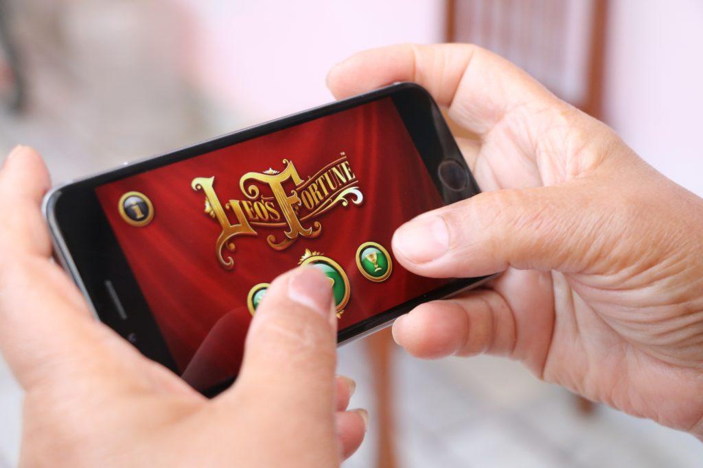 Granie w gry na smartfonie
